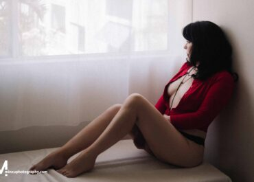 A Boudoir Shoot – Is It Worth The Investment?